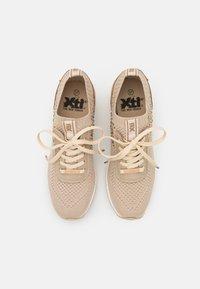 XTI - Sneakers laag - beige - 5