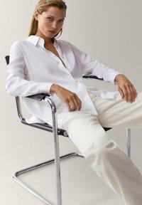 Massimo Dutti - UNIFARBENES - Button-down blouse - white - 6