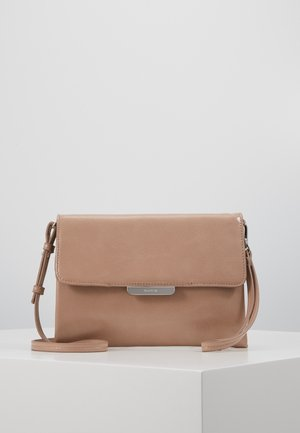 NUM - Clutches - nude
