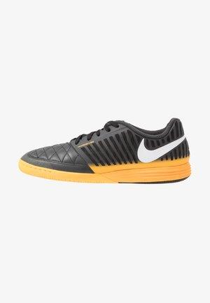 LUNAR GATO II IC - Indoor football boots - dark smoke grey/white/laser orange/black