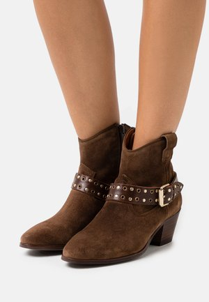 SARA - Cowboy/biker ankle boot - brown