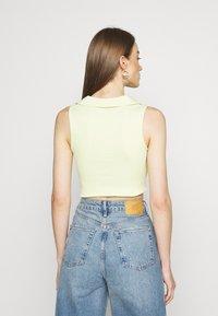 NEW girl ORDER - TRIBAL BUTTERFLY  - T-shirt print - yellow - 2