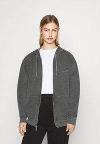 BDG Urban Outfitters - ZIP UP HOODIE - Hoodie - charcoal - 0