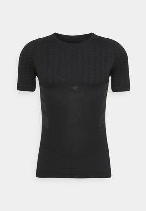 ACT - Basic T-shirt - black