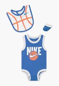 Nike Sportswear - BOYS BABY SET - Dárky pro nejmenší - blue - 0