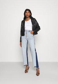 KENDALL + KYLIE - STRAIGHT - Jeans straight leg - medium blue/dark blue - 1