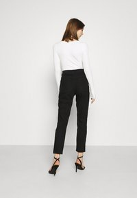 Even&Odd - Mom fit jeans - Jeans Skinny Fit - black denim - 2