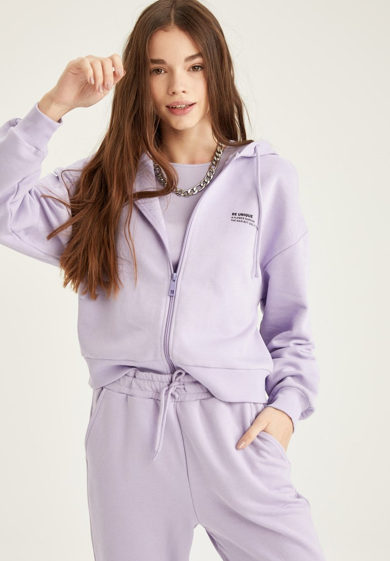 DeFacto - Zip-up hoodie - purple