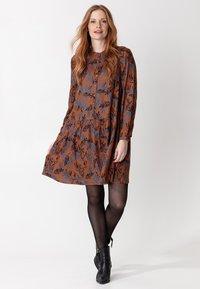 Indiska - Day dress - rust - 0