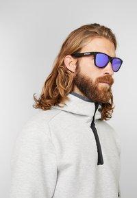 Oakley - FROGSKINS - Sunglasses - violet - 1