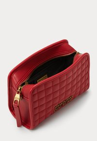 Versace Jeans Couture - CAMER BAG - Borsa a tracolla - rosso - 4