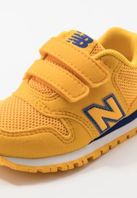 New Balance - IV500CG - Baskets basses - team gold - 2