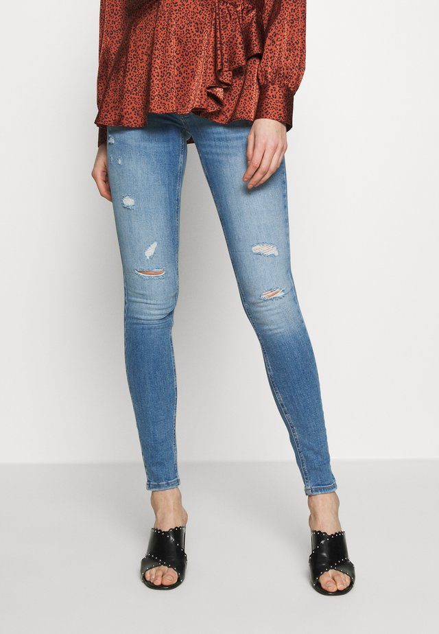 ONLCORAL DEST AMOM - Skinny džíny - medium blue denim