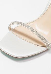 Blue by Betsey Johnson - TORI - Højhælede sandaletter / Højhælede sandaler - ivory - 2