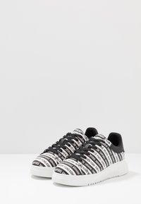 Emporio Armani - Sneakers - black/white - 2