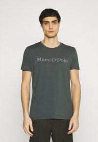 Marc O'Polo - SHORT SLEEVE - T-Shirt print - mangrove - 0