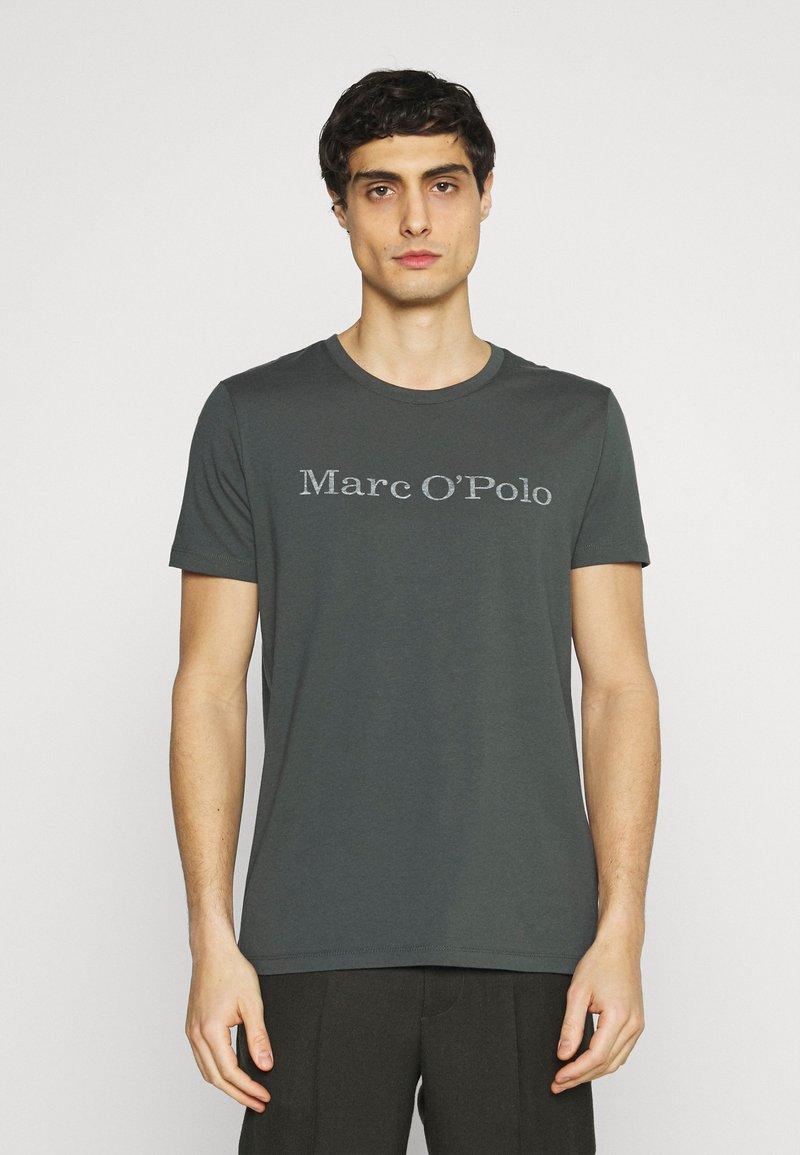 Marc O'Polo - SHORT SLEEVE - T-Shirt print - mangrove