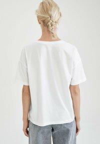 DeFacto - DISNEY - T-shirt con stampa - white - 2