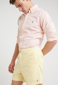 Polo Ralph Lauren - CLASSIC FIT PREPSTER - Short - yellow oxford - 5