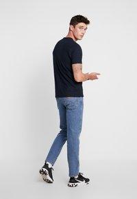 Burton Menswear London - TOUCAN - Print T-shirt - navy - 2