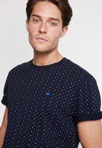 Scotch & Soda - CLASSIC CREWNECK TEE - T-shirt print - dark blue - 3