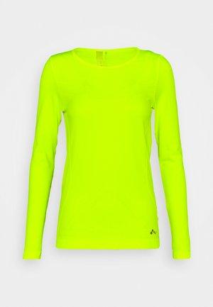 ONPSTACIA CIRCULAR - Sportshirt - safety yellow