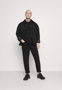 YOURTURN - UNISEX - T-shirt con stampa - black - 1