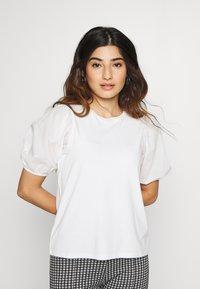Dorothy Perkins Petite - PETITES COTRAST TEE - Print T-shirt - white - 0