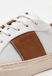 JOOP! - LISTA CORALIE FLOW - Trainers - cognac - 5