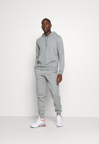 Puma - MODERN BASICS HOODIE  - Hoodie - medium gray heather - 1
