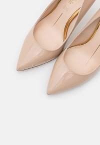 Buffalo - GRACE - Zapatos altos - nude - 5
