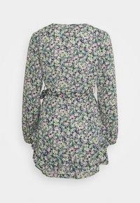Missguided Petite - SMOCK DRESS DITSY - Kjole - black - 1