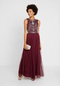 Lace & Beads - PAULA MAXI - Společenské šaty - burgundy - 2