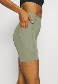 Cotton On Body - SCALLOP HEM BIKE - Medias - basil green - 3
