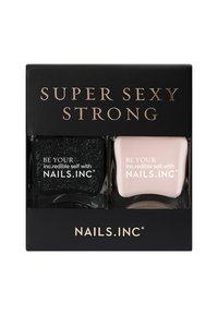 Nails Inc - SUPER SEXY STRONG - Nail set - black/nude - 1