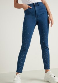 Tezenis - MIT NIETEN IN STERNFORM - Jeans Skinny Fit - blu jeans - 0