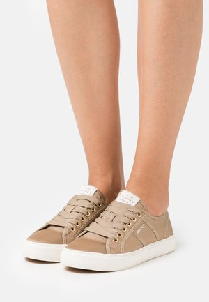 PINESTREET - Trainers - sand