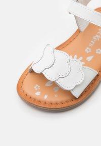 Kickers - DYASTAR - Sandals - blanc - 5