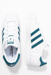 adidas Originals - SUPERSTAR - Sneakers laag - footwear white/tech mint/core black - 3