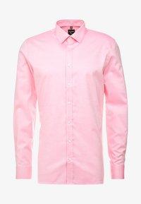 OLYMP - OLYMP NO.6 SUPER SLIM FIT  - Formální košile - rose - 4