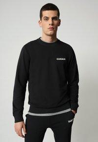 Napapijri - B-SURF CREW - Stickad tröja - black - 0