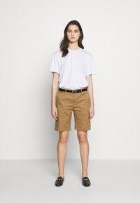 CLOSED - HOLDEN - Shorts - golden oak - 1