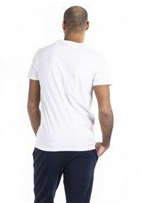 U.S. Polo Assn. - CEM - T-shirt - bas - white - 2