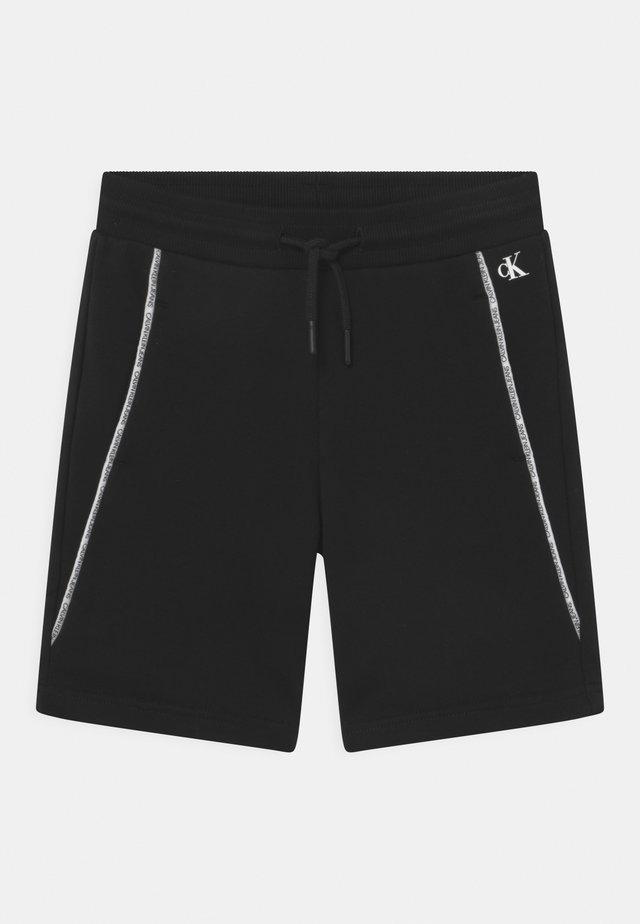 LOGO PIPING - Shorts - black