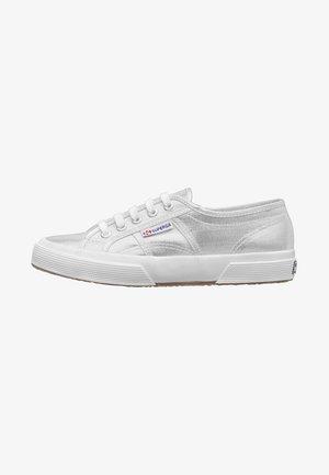 2750 - Sneakers laag - silver