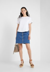 See by Chloé - T-shirt imprimé - white powder - 1