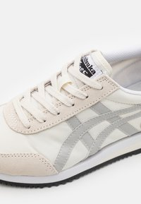 Onitsuka Tiger - NEW YORK UNISEX  - Trainers - cream/oyster grey - 5