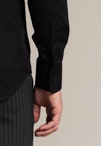 WORMLAND - Formal shirt - schwarz - 3