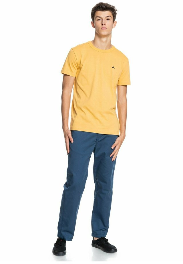 ESSENTIALS - Print T-shirt - rattan