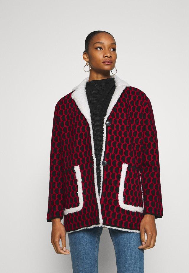 JERS DENVER - Short coat - rojo